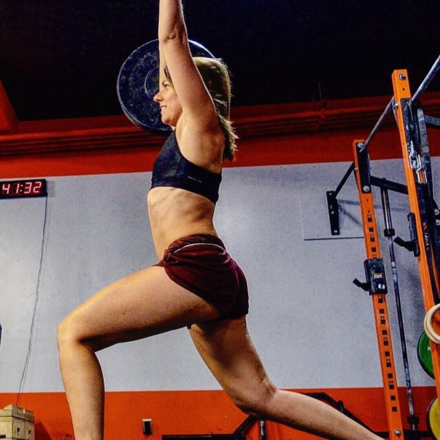 Superstaaaaar! (Doing an overhead workout right now! Come watch and chat! Link in my bio)